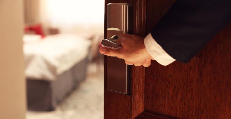 HOTELE OTWARTE. JAK WYGLĄDAŁ PIERWSZY WEEKEND PO POLUZOWANIU OBOSTRZEŃ?